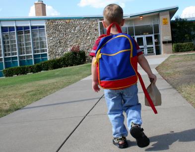 bienfaits de marcher vers l'école pour les enfants